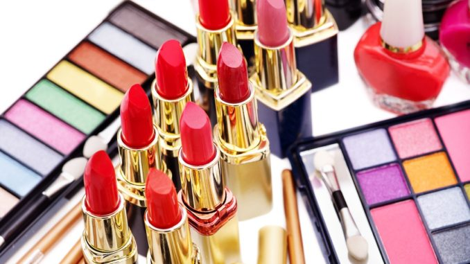 Make Deals Online For Branded and Cost Effective Makeup